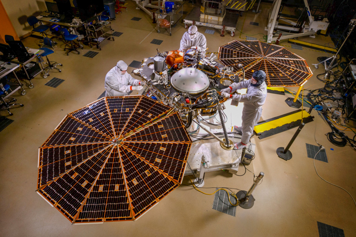 nasa insight solar arrays