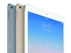 Apple delays large tablets