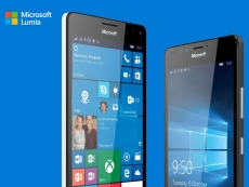 Microsoft unveils new Lumia 950 and 950 XL smartphones