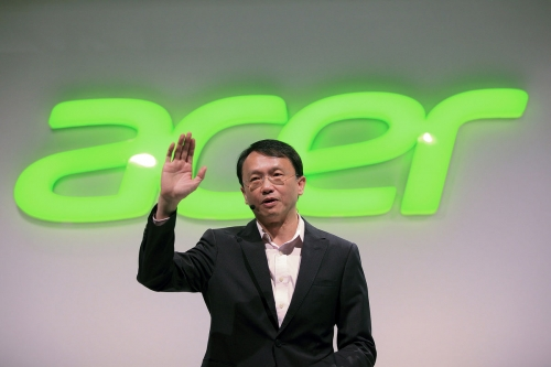 Acer sticks its elbows out