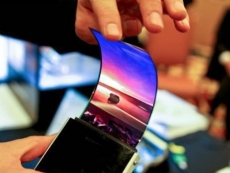 OLED-based smartphones to surpass LCD models in 2018