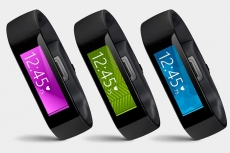 Microsoft drops the price of its Band 2