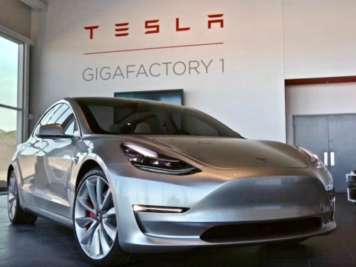 Tesla's Model 3 arrives in September