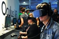 Facebook closes Oculus demo stations