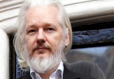 Assange gets into Clinton bashing
