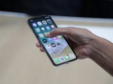 Foxconn improves iPhone X yields