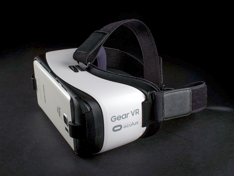 how to open apps with gear vr
