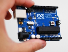Arduino 101 meets its maker