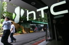 HTC has its biggest drop in sales for two years