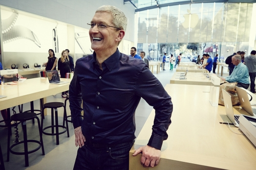 Apple boss calls for an end of the shadow economy