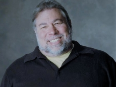 Woz quits Facebook over privacy concerns