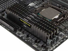 Corsair shows 4GHz DDR4 memory at IDF 2015