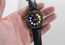 Samsung lets Android rivals use its watch