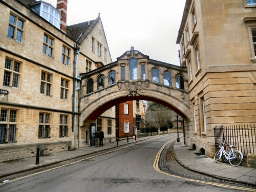 Oxford Uni thinks Reds under Huawei beds