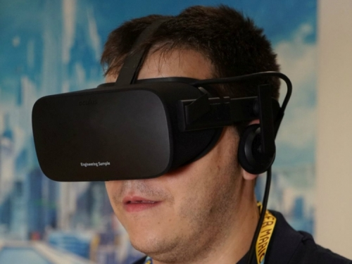 Facebook pauses Oculus Quest headsets in Germany