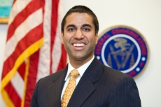 Comedy US FCC boss rants about social media