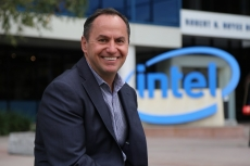 Intel CEO gives up chasing market share