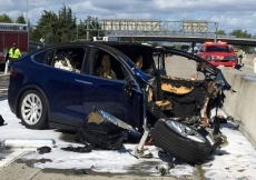 Tesla car decided to kill itself
