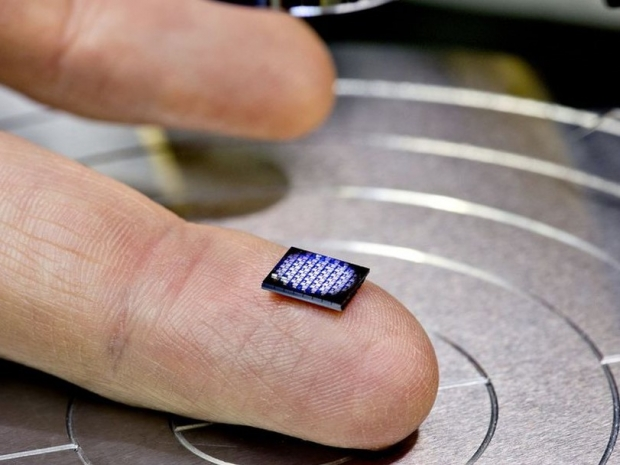 IBM builds smallest computer